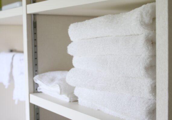 洗濯物をたっぷり収納できる家事室